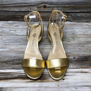 NWOT Katy Perry Gold Adventure Leather Sandal